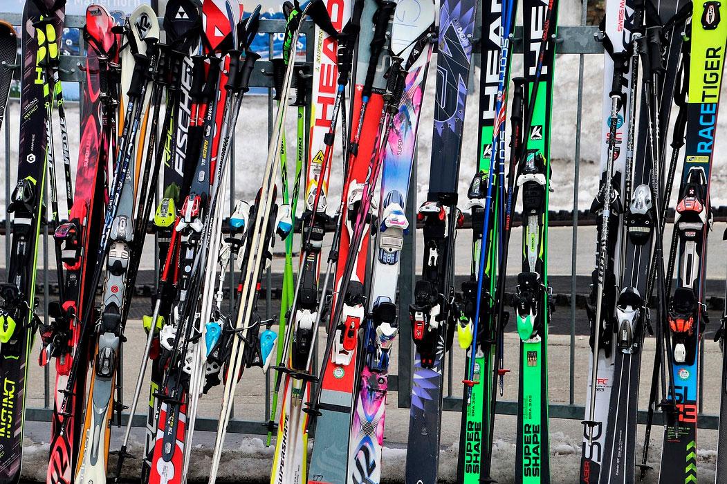 Alquiler de equipos de esquí y snow en Sierra Nevada