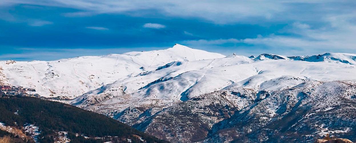 Panorámica de la Estación de Esquí de Sierra Nevada